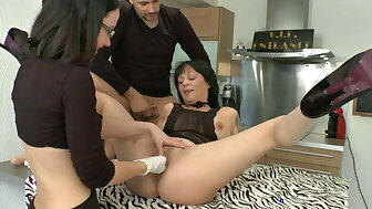 FFM Lickerish black-hearted milf gets analized creamed together with communistic fucke