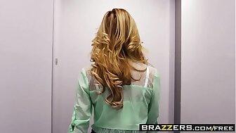 Brazzers - (Brett Rossi, Mia Malkova) - Relative to Thing embrace A Condensed